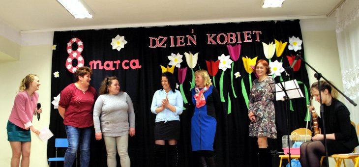 Dzień Kobiet w Gniewoszowie